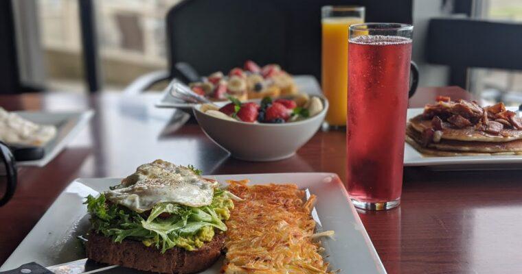 Red Lion Inn Port Angeles Harbor & 48 Degrees North Restaurant